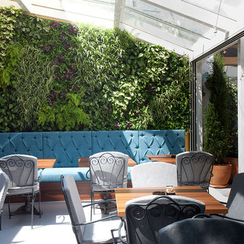 Outdoor vertical garden - Atrij Bar & Restaurant Croatia